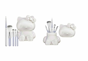 Brush Sets on Makeup Brushes   Applicators    Hello Kitty Mon Amour Brush Set