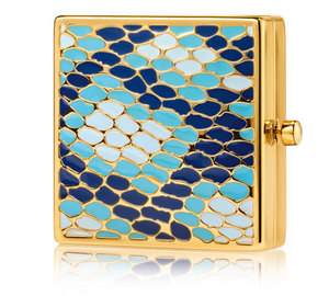 Estee-lauder-holiday-2012-year-of-the-snake-compact