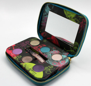 Urban-decay-holiday-2012-fun-palette