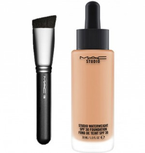MAC 196 Slanted Flat Top Foundation Brush