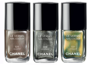 Chanel-le-vernis-in-quartz-peridot-an-graphite-for-fall-2011