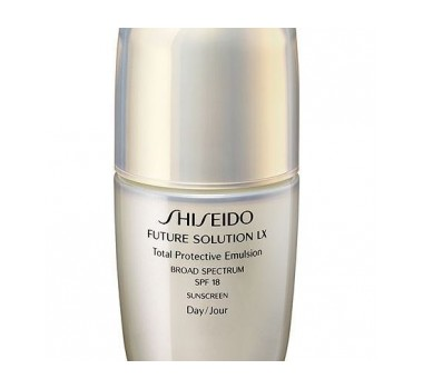 Shiseido Future Solution LX Total Protective Emulsion SPF18