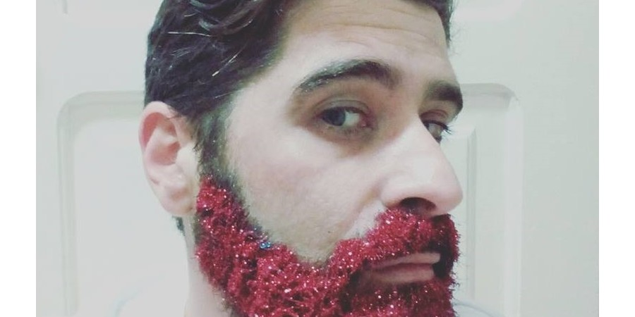 how to glitter your beard do you dare news. Black Bedroom Furniture Sets. Home Design Ideas